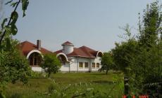 Obecny úrad a kultúrny dom - Zemplínska Široká